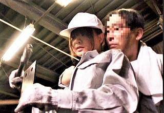 結構美人なのに工場でハードに働くお姉さんが男たちの性欲処理係と化してヤラレ放題