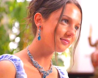 【ナディア】洋ピン美少女女優の無料ハメ動画wパイパンでキレイな体してますよw