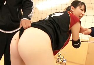 【上野雫】高身長の現役女子バレー選手がAVデビュー!使い慣れた体育館やトレーニング器具で犯される・・・
