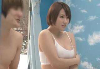 【成宮はるあ】大学の男友達にマンコ擦り付ける巨乳な女子大生w興奮し過ぎてやり過ぎちゃったww