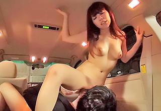 【芹野莉奈】巨乳カーディーラーが試乗する男性客に「私にも乗ってみます?」とその場でセックスできました!