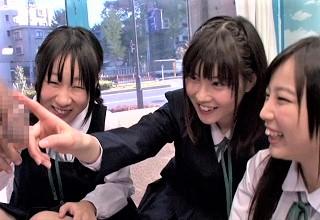 【素人】修学旅行中にMM号に乗ってしまった女子校生が大人のチンポに大興奮www