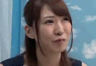 【杉崎絵里奈】童貞筆下ろしをお願いされたお姉様。恥ずかしがりながらもシコシコっ!!