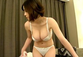 【吉川あいみ】Hカップ神乳人妻をナンパ!ホテルで中出しハメ撮り