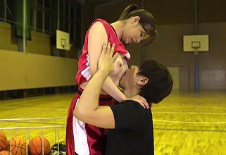 バスケット歴12年!ドリブルが激ウマなバスケ部美女がAVデビューしちゃった♪
