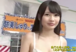 【跡美しゅり】パイパンマンコで手コキ責め!AV女優の凄テク我慢出来たらエッチOK!