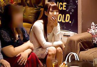 AV女優にお酒飲ませまくった結果→気づいたらお持ち帰りされて乱交しまくってた