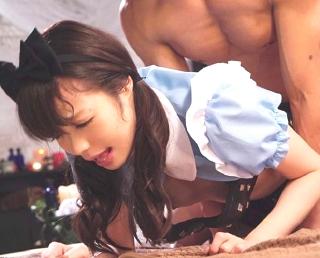 【凰かなめ】メイドコスプレ着衣の美少女をバックで突き倒すw