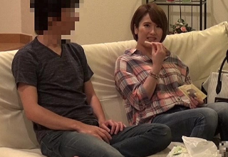 【成宮はるあ】相席居酒屋でゲットした柔か巨乳な奥様とのSEXを盗撮。