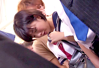 【紗倉まな】ラッシュ時の通学電車で痴漢魔に汚されてしまう少女。ちなみに完全版では私生活の至るところで犯されっぱなしです