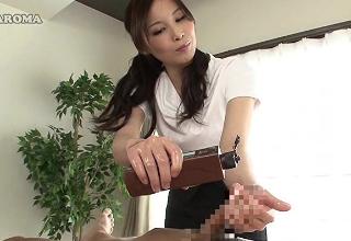 エロエステティシャンの悶絶オイル手コキ責め。極上の手コキマッサージ♡