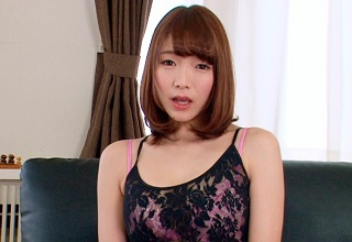 目の前に迫るマンコ・・・お尻のシワまで丸見えな状態の激エロお姉さん!