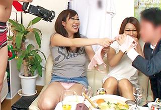イケメンの友達が連れてきたヤンママ達と宅飲みしてたらパンチラしまくる女性陣に大興奮状態の男たちが裸になるw