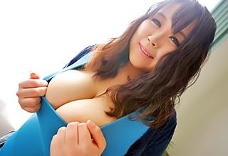 【椎名えむ】これだけのおっぱいはそうそうお目にかかれない!爆乳なんて言葉が生易しく感じる母乳噴射セックス!