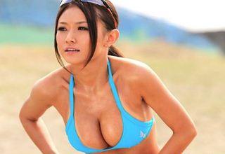 【西田翔子】ビーチバレーの公認コーチを目指してるスポーツ系女性の初撮り作品いー体してますw