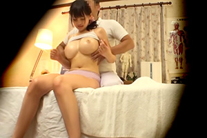 鬼畜マッサージ師によって神乳と謳われる爆乳なのにめっちゃ美乳な若妻がおっぱいを中心にグリッグリに弄られてる内に・・・