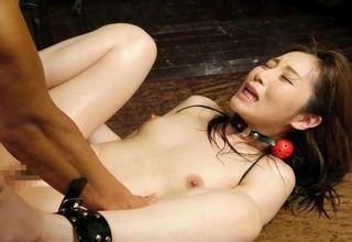 【佐々木あき】美人女優の激ピストンセクロスwバックで正常位でハードピストンを継続w