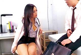 【神納花】先生、僕のチンコ勃起しなくなっちゃったんです・・・任せなさいと立ち上がってくれた痴女医のお陰でコチラも立ち上がった!