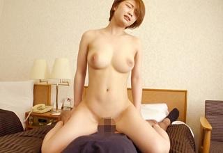 浜松で見つけた国宝級の美巨乳おっぱいを持つ19歳の美少女とセックス