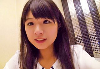 ロリ顔で黒目がでっかい可愛すぎる女の子とホテルで撮影した淫行記録映像