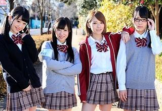 ビッチな女子校生軍団がクラスメイトを騎乗位で次々中出しさせていくwww